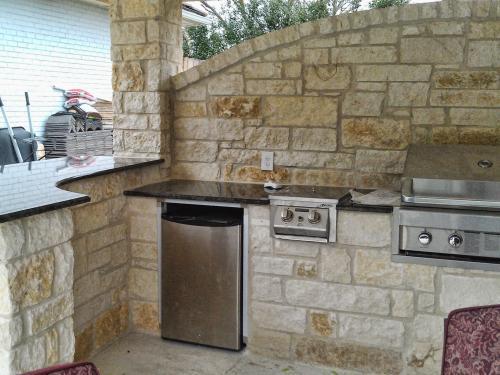 outdoor kitchen-15-fine-patio-design-outdoor-san-antonio