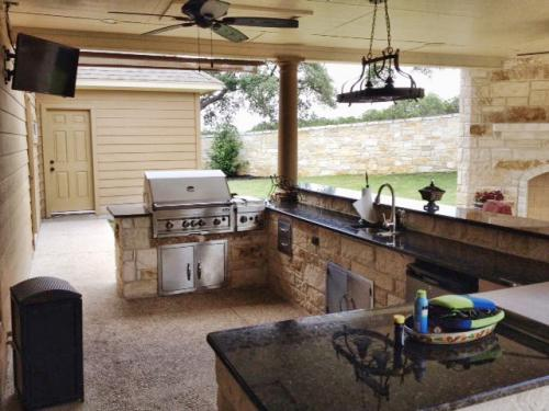outdoor kitchen-42-fine-patio-design-outdoor-san-antonio